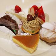二葉堂の各種ケーキ